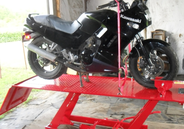 Motorbike Stand Designs : Motorcycle lift stand plans neat wood projects diy pdf
